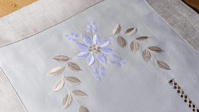 Pearls Table Runners Melbourne